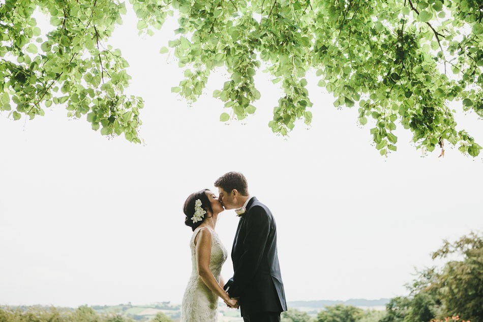 Natural relaxed wedding 375