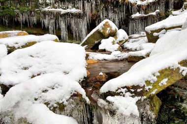 black-clough-ice-4