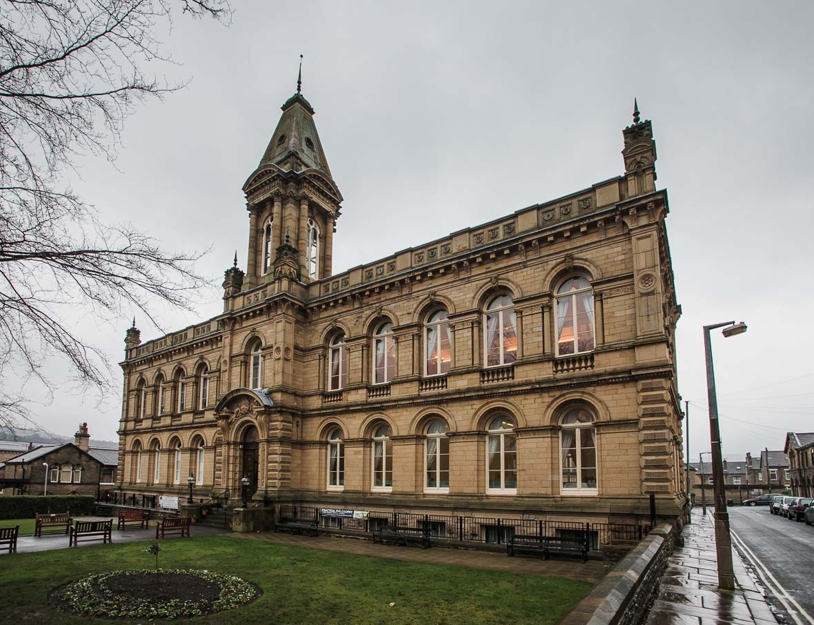 Victoria-hall-saltaire-163