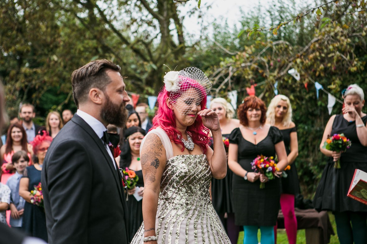 181-diy-wedding-pink-hair