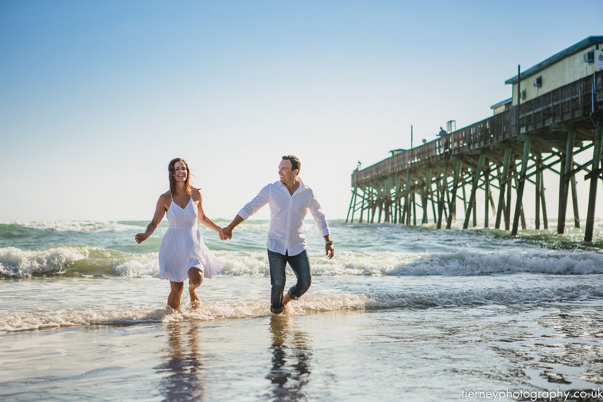 Daytona-beach-shores-pier-couple