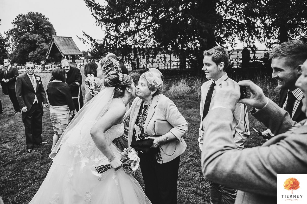 344-thoresby-courtyard-wedding
