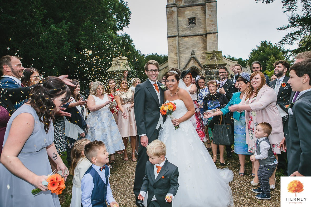 352-2-thoresby-courtyard-wedding