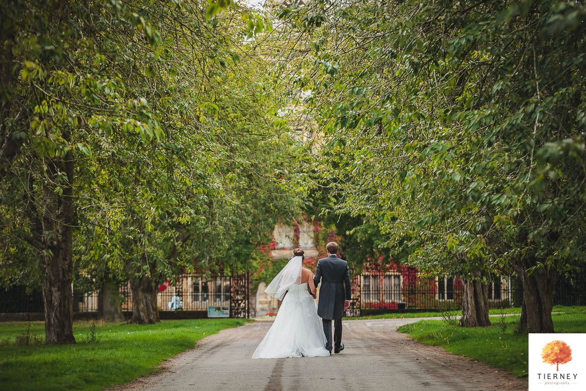 431-thoresby-courtyard-wedding