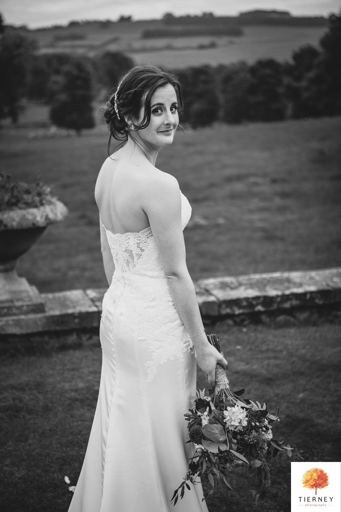 531-2-thornbridge-hall-wedding