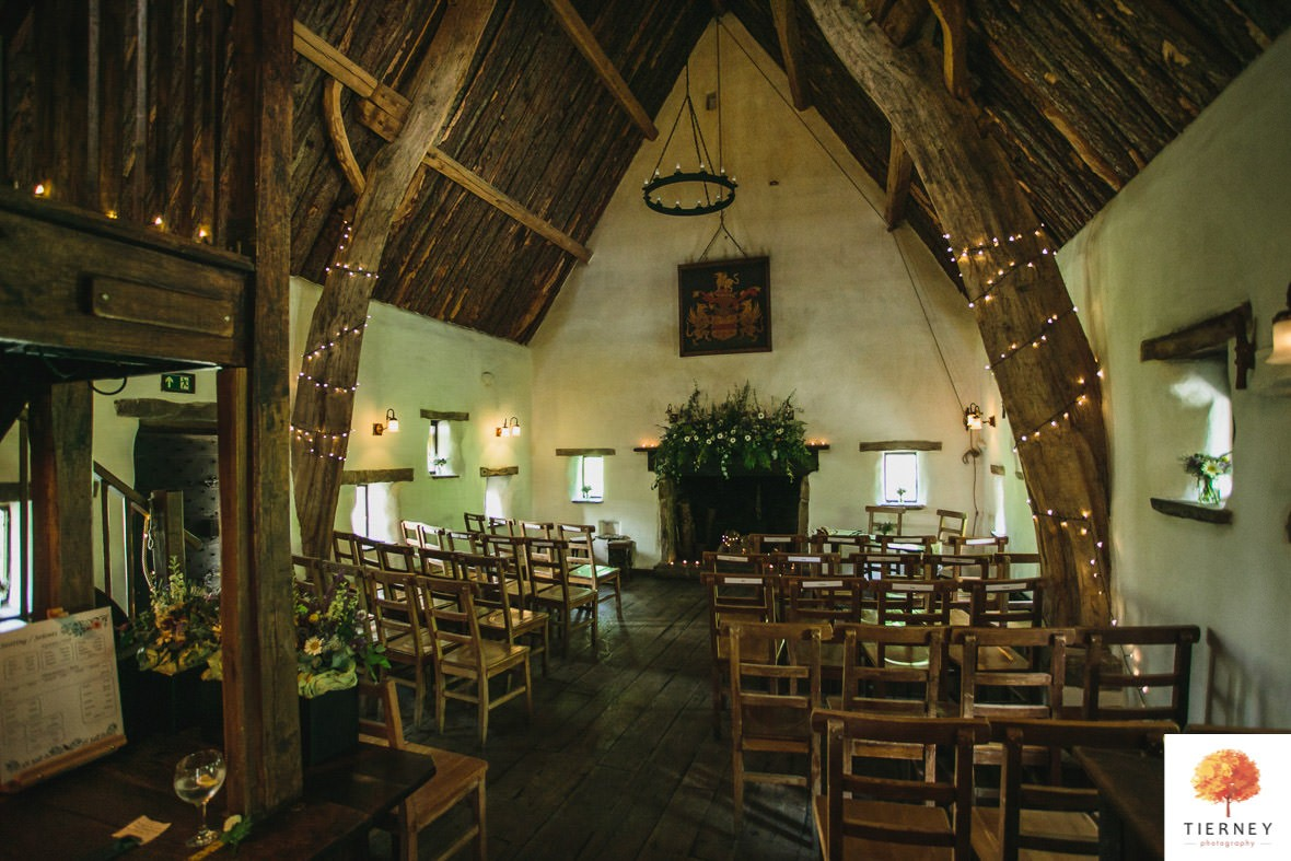 154-cruck-barn-wedding
