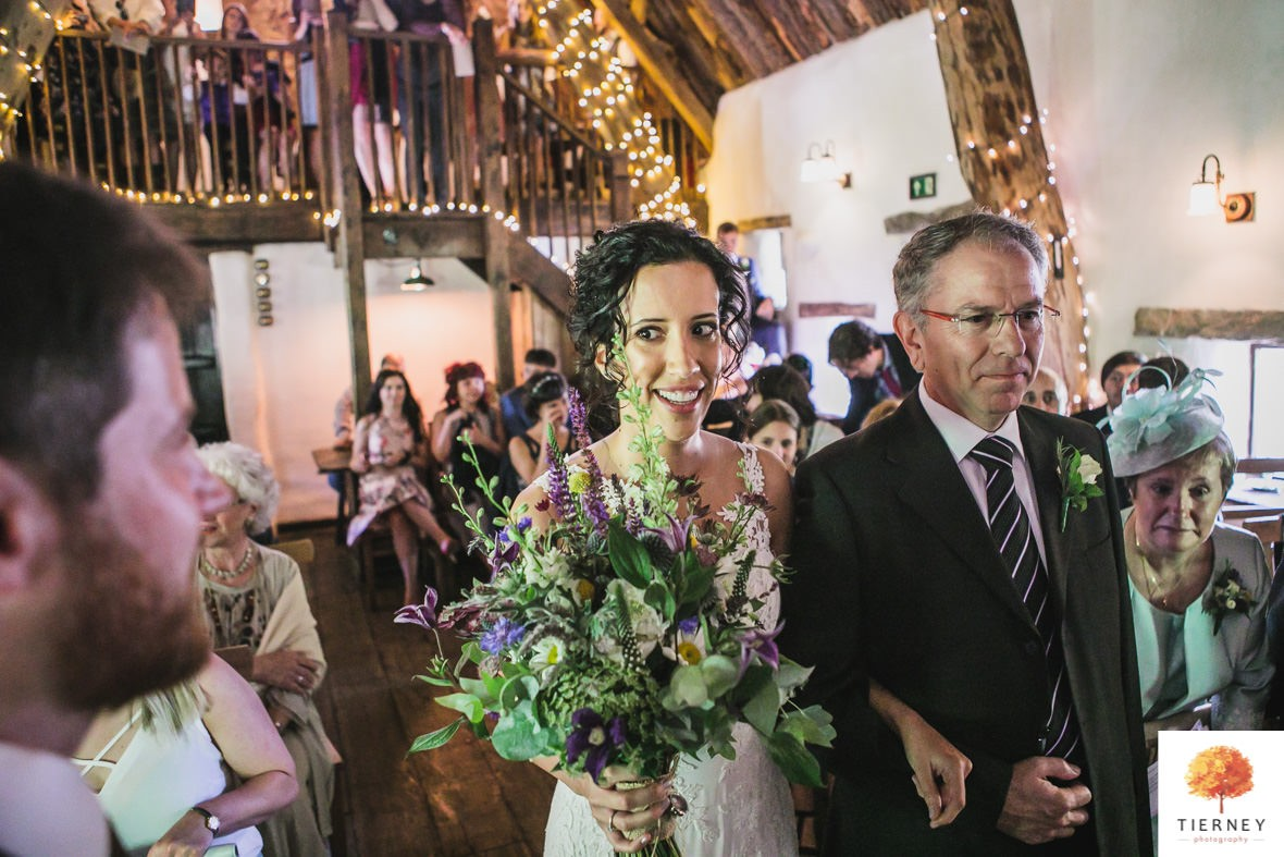 222-cruck-barn-wedding
