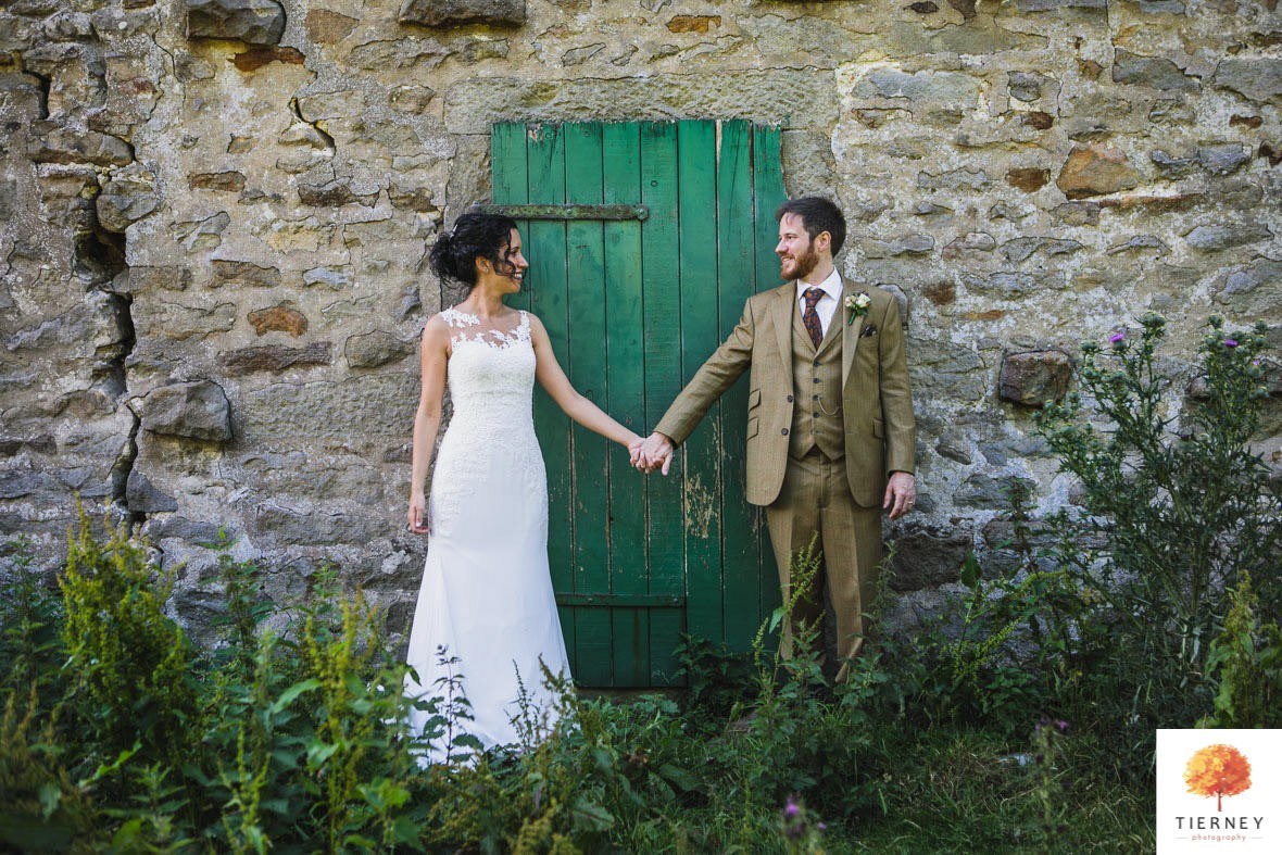 435-cruck-barn-wedding