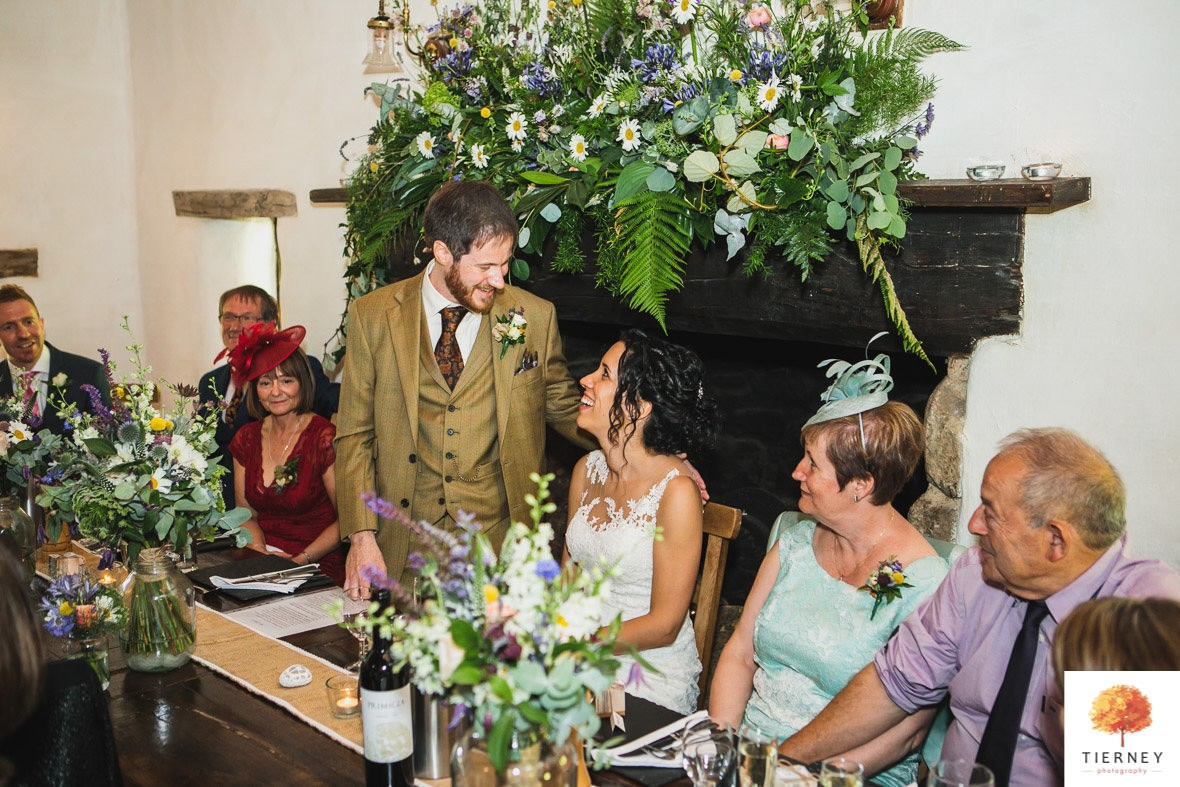 499-cruck-barn-wedding