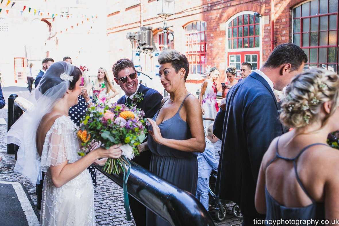 392-wedding-at-kelham-island-museum