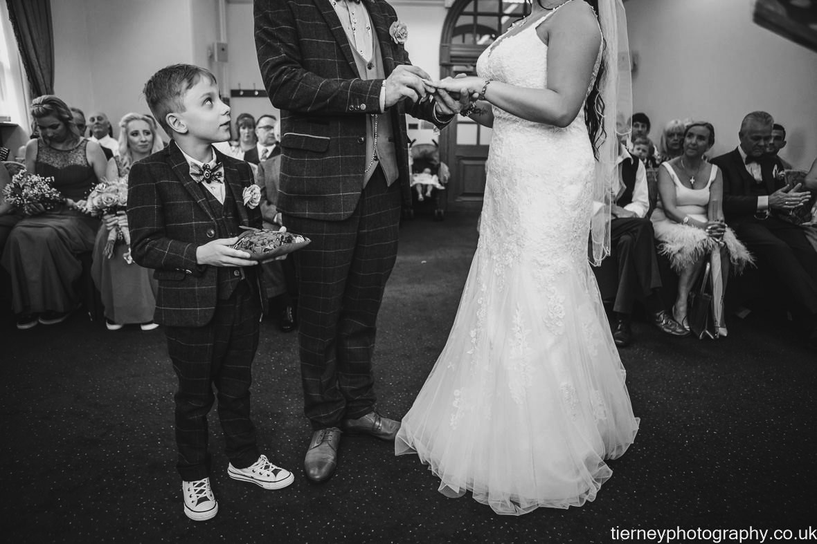 374-sheffield-wedding-photographer-rescued