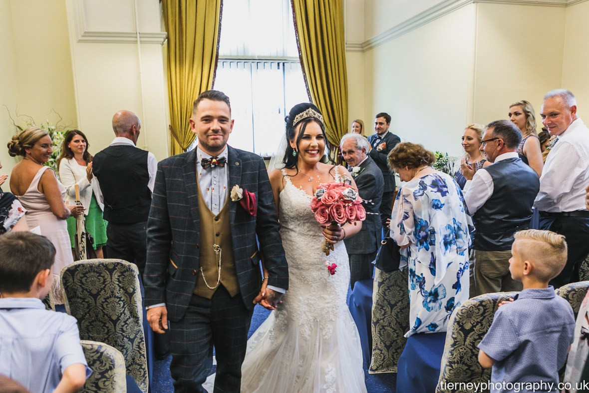 422-sheffield-wedding-photographer-rescued