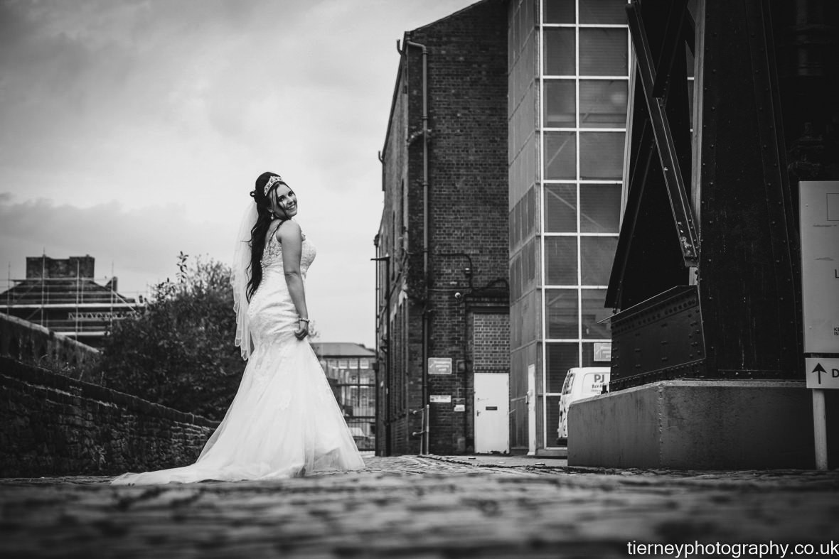 702-sheffield-wedding-photographer-rescued