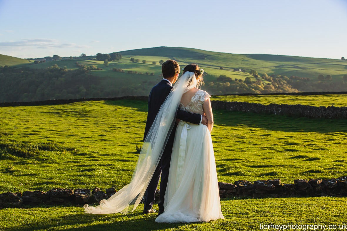 524-peak-district-farm-wedding