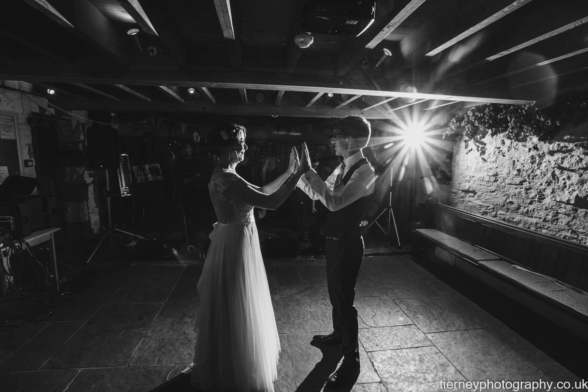 682-peak-district-farm-wedding