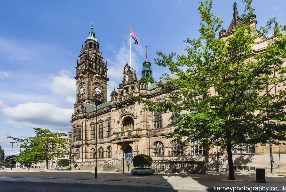 100a0286-town-hall-sheffield-lockdown-2020