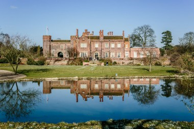 Hodsock priory winter wedding 100-2