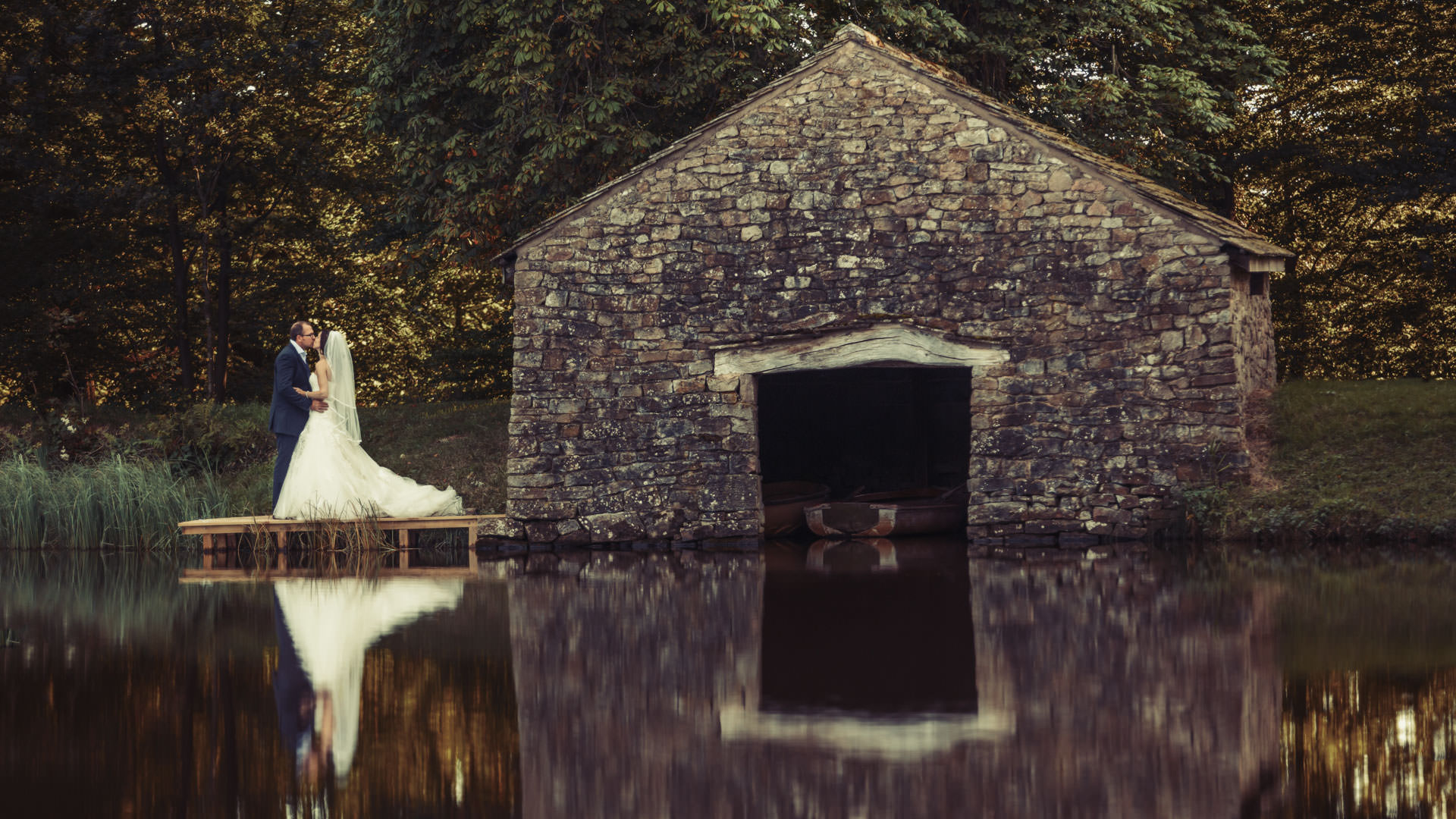 Stunning location based wedding photography by Tierney Photography.