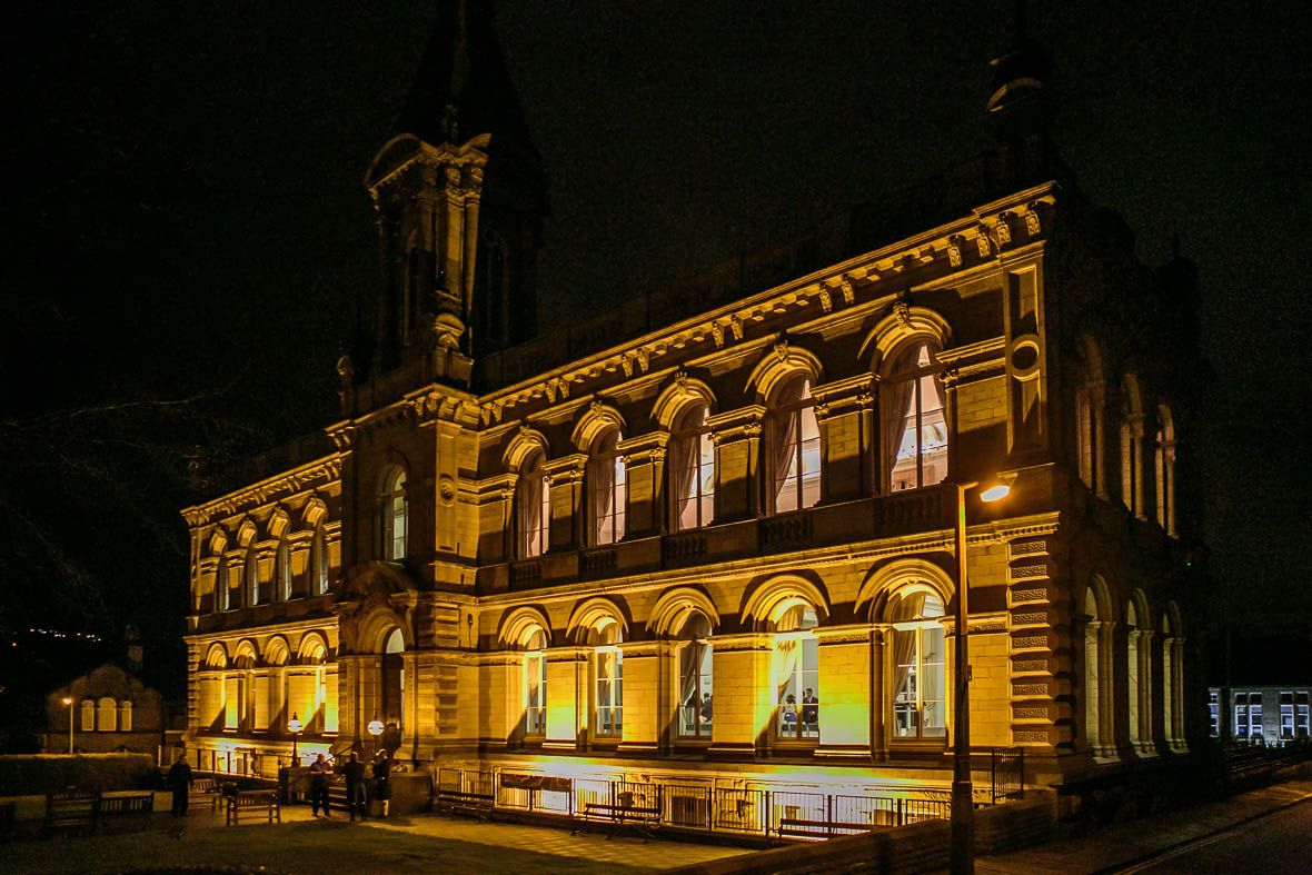 Victoria-hall-saltaire-620
